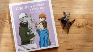 Recenze na knihu Obušky a něžná revoluce